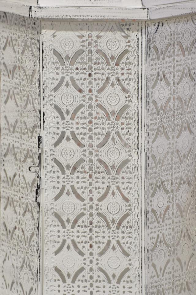 Kovová lucerna s/2, bílá s patinou