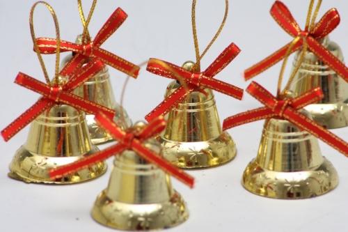 Zvoneček zlatý na zavěšení 3 cm, sada 12 ks