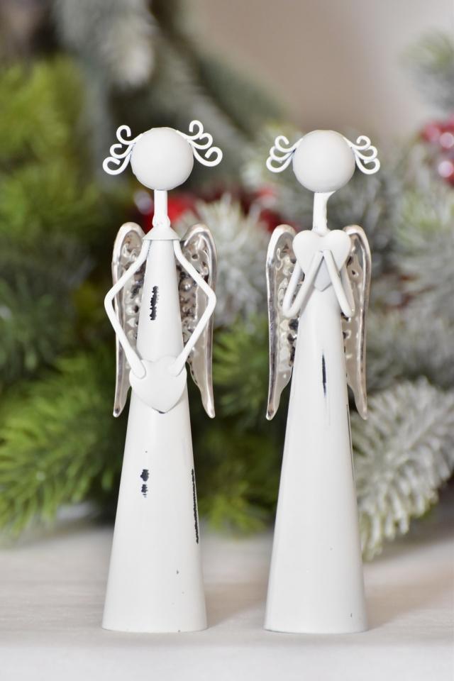 Plechový anděl bílý stříbrná křídla 16,5 cm