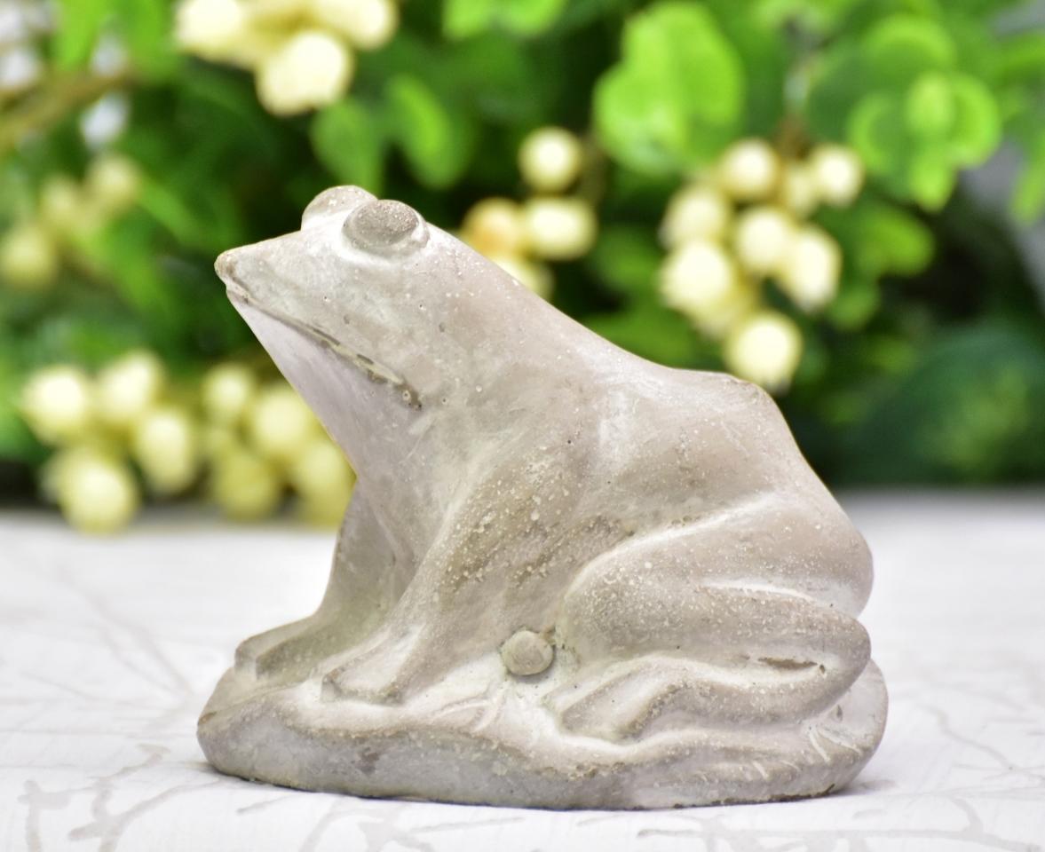Betonová žába Gabka L