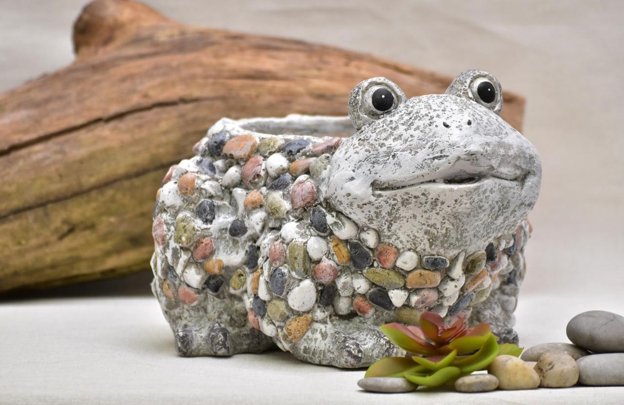 Květináč žába Bětka kamínky 17,5 cm