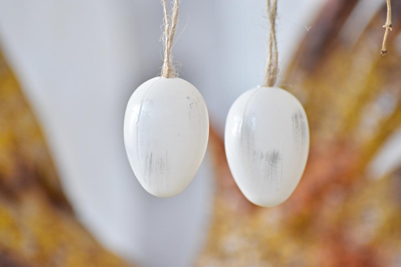 Plastová vajíčka na zavěšení, bílo-šedá s/24, 4 cm