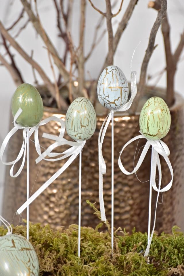 Plastová vajíčka na špejli, zelené s mramorováním s/12, 4 cm