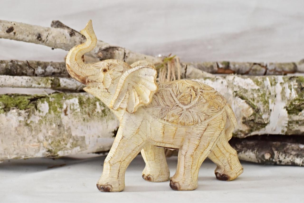 Dekorace slon Claire 18,5x7,5x19,5 cm