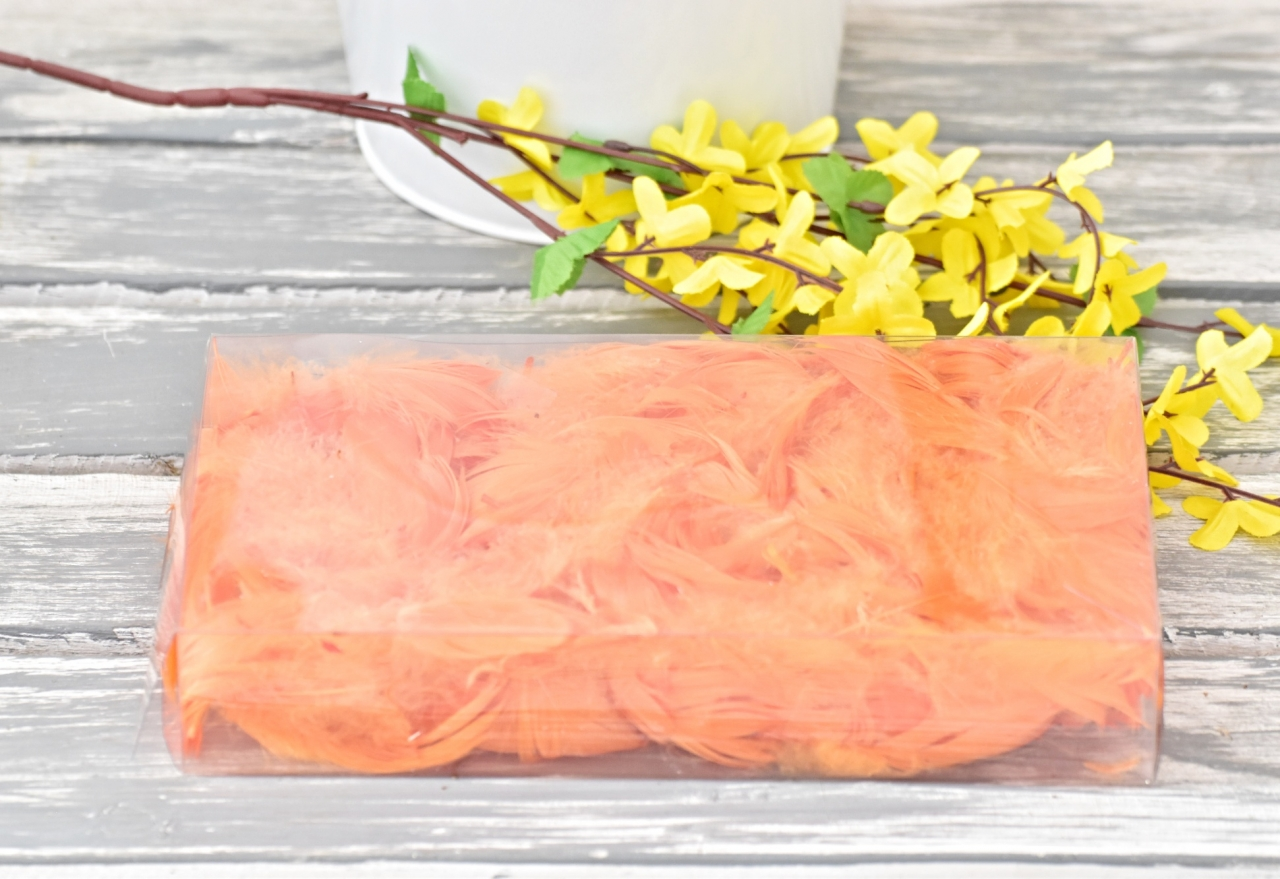 Dekorační pírka oranžová