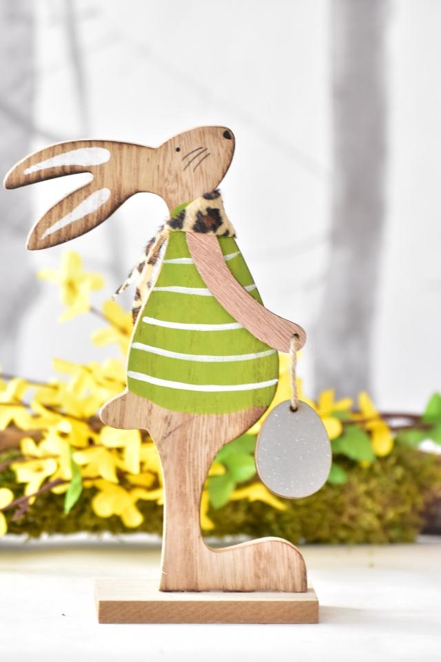 Dřevěný zajíc s vajíčkem 20 cm, zelený