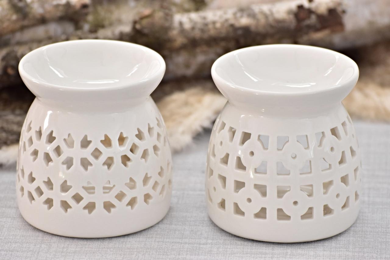 Aromalampa bílá s ornamentem, mix druhů